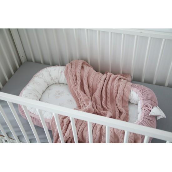 Tiny Star, Kokon niemowlęcy...